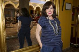 Concha Velasco, operada de una apendicitis
