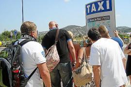 50 taxistas titulares de Vila piden que se dé preferencia a quienes no hayan tenido nunca estacionales