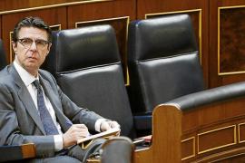 El ministro Soria defiende que la campaña sísmica es solo «una ecografía del subsuelo»