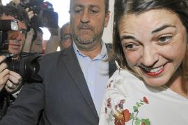 PSOE e IU negocian alternativas para evitar romper el pacto de gobierno en Andalucía