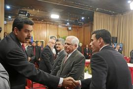 El encuentro entre Maduro y la oposición deja más dudas que esperanzas