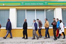 La policía investiga un fraude millonario en los fondos para parados en Andalucía
