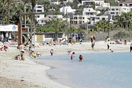 Vila no permitirá que en la playa de Talamanca se alquilen motos de agua