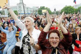 Lugansk y Donetsk proclaman su independencia un día después del referéndum