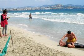 Medio centenar de socorristas buscan trabajo para las playas de Sant Josep