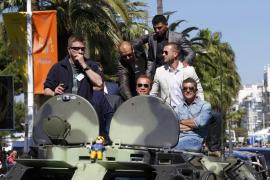 Los tanques de 'Los Mercenarios 3' toman Cannes y desatan la locura