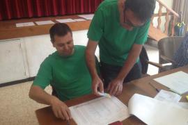 Una jornada electoral marcada por las camisetas verdes