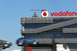 Vodafone revela que seis gobiernos escuchan las llamadas de sus clientes
