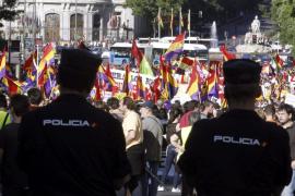 Unas 2.000 personas reclaman en Madrid un referéndum sobre monarquía o república