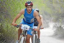 Óscar Santos adquiere galones