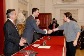 Príncipe Felipe y Pablo Iglesias