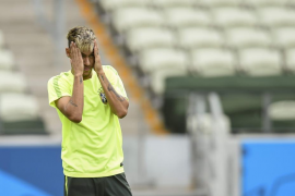 El fiscal reclama que declare el padre de Neymar