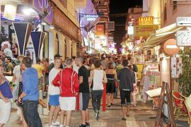Sant Antoni intensificará los controles sobre los aforos en los clubes del municipio