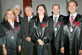 Fiesta anual y entrega de medallas en el Colegio de Abogados