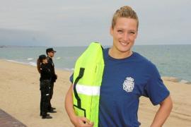 Mireia Belmonte colabora con la policía para prevenir los ahogamientos