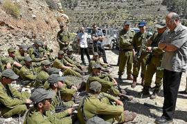 El Ejército israelí ataca al sirio y mata a diez militares en la zona del Golán