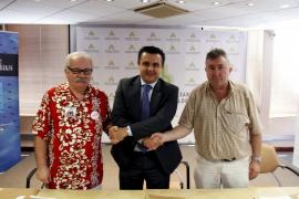 Hoteleros y sindicatos firman la paz social pero no esconden sus diferencias