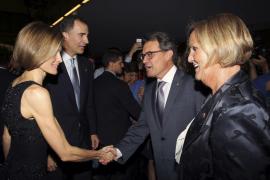 Felipe VI reclama ante Artur Mas «respeto  y convivencia»