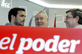 Cayo Lara coloca a Garzón de hombre fuerte para acercarse a Podemos