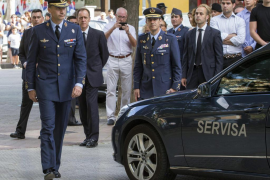 El Rey asiste al funeral de un compañero de la Academia del Aire