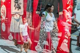 Eivissa cuelga el cartel de rebajas