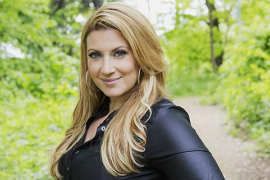 Doble cita con la diva sueca Sarah Dawn Finer