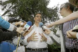 Los candidatos a secretario general del PSOE preparan un debate «de guante blanco»