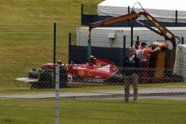 Hamilton gana en Silverstone, Alonso acaba sexto y Raikkonen sufre un accidente