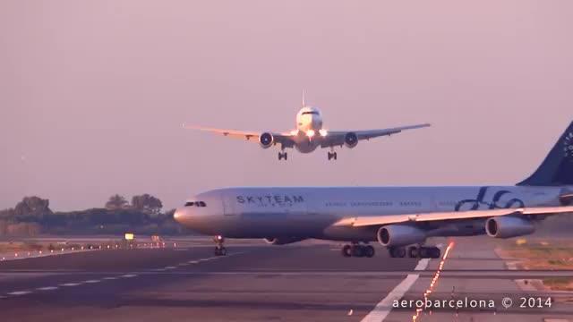 Un videoaficionado capta a un avión abortando un aterrizaje en Barcelona