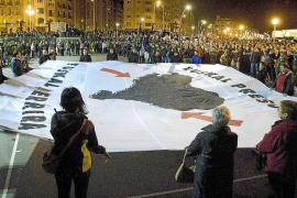 Francia acerca por primera vez a presos de ETA a la cárcel más próxima a Euskadi