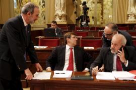 El Govern aprobará el viernes tres leyes para reducir el gasto y subir los impuestos