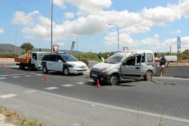 Arrestado por conducir ebrio el conductor de una furgoneta que se estrelló en Can Tomàs