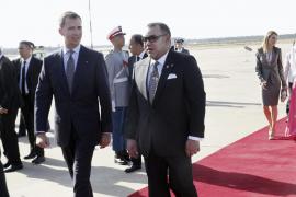 Marruecos recibe a Felipe VI con honores militares