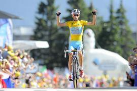 Nibali domina en los Alpes y afianza el liderato