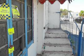 La policía de Santa Eulària precinta un bar de Ca na Negreta que hacía de 'afterhour'
