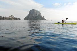 Paleando en aguas de Eivissa