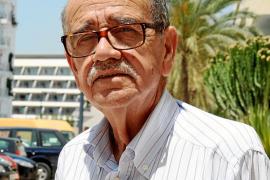 Luis Cros, presidente del Colegio de Médicos: «Hay más conciencia y se detectan más casos de cáncer en periodos incipientes»