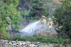 Un incendio en la vivienda de Benimussa del modelo Mark Vanderloo enciende las alarmas