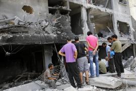 Se eleva a 1030 la cifra de muertos en Gaza tras el rescate de 130 cadáveres