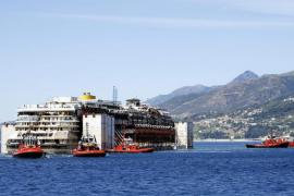 Concluyen las operaciones para amarrar el Costa Concordia en Génova