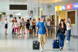 Más turistas, pero menos ocupación hotelera en Balears