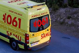 En estado crítico una conductora suiza que se estrelló contra un muro