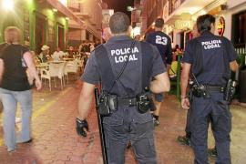 Sant Antoni ha denunciado hasta el momento a 35 locales por incumplir la ordenanza de horarios