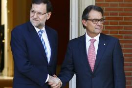 Rajoy recuerda a Mas que la consulta soberanista es ilegal