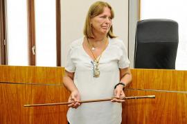 Virginia Marí es elegida alcaldesa de Vila con los votos del PP, Sánchez-Jáuregui y Sansano