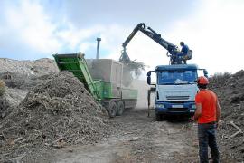Formentera tritura 3.500 toneladas de restos de poda
