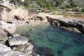 Encuentran el cadáver de un joven flotando cerca del puerto de Eivissa