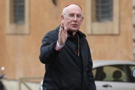 El primado irlandés renuncia tras ser acusado de ocultar casos de curas pederastas