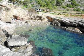 Los GEAS rescatan en el mar el cadáver de un joven sin identificar cerca de la playa de es Soto