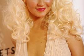 Christina Aguilera da luz a una niña llamada Summer Rain